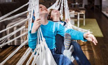 Los mejores columpios de interior para niños