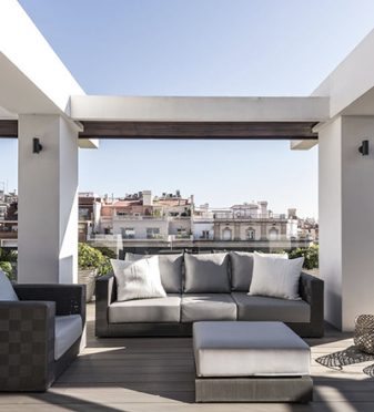 Reforma completa de un ático dúplex con tres terrazas urbanas