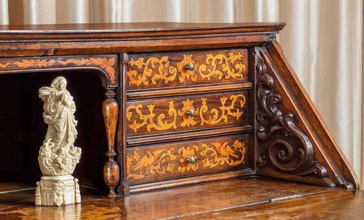 'Arrelats a la terra' el gusto por los muebles antiguos