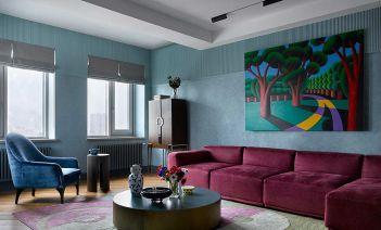 Un ático dúplex en Moscú diseñado con sobriedad y eclecticismo