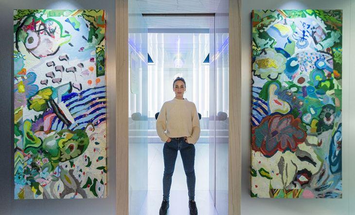 La artista Martina Rodríguez Morán en el espacio Gärna de Casa Decor en 2020
