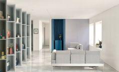 Colores que definen y amplían espacios en un piso en Triana