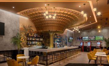 Glamour hollywoodiense en un salón recreativo de Gran Canaria