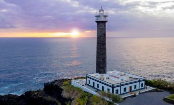 Sumérgete en la naturaleza y el mar que rodean el Faro de Punta Cumplida, en La Palma