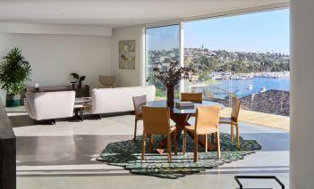 Infinity Views: una vivienda sofisticada y moderna con vistas al río Swan