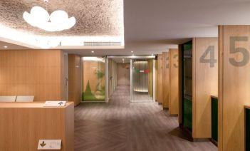 Clásica, sobría y funcional: así es la nueva sede del Consulado General de Italia en Barcelona