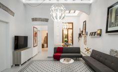 Un piso en el centro de Barcelona que concilia pasado y presente