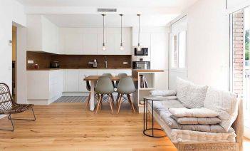La madera, protagonista de la reforma de una vivienda en el barrio del Putxet