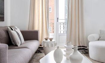 Arte, modernidad y luz en esta vivienda ubicada en Chamberí