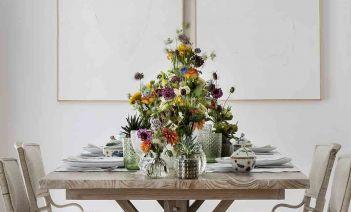 Una mesa de verano fresca y colorida diseñada por Raúl Martins