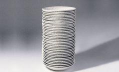 antoni tapies exposicion pila de platos