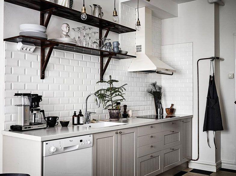 Cocinas en blanco y gris for Deco de cocina azul blanco