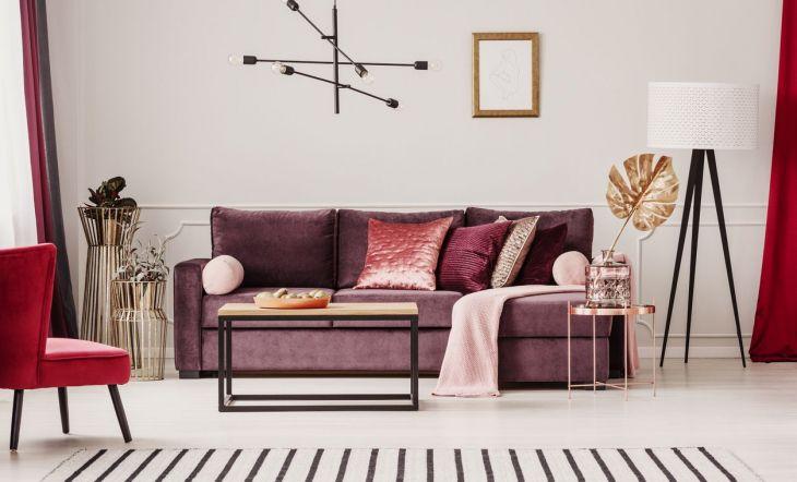 tendencias decoración sofá rosa terciopelo