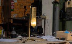 Cómo crear una lámpara con materiales reciclados