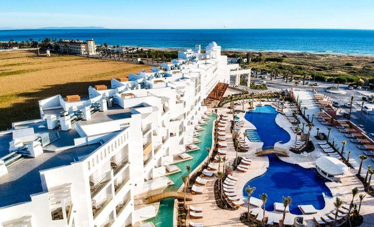 Un hotel exclusivo frente al mar con increíbles vistas