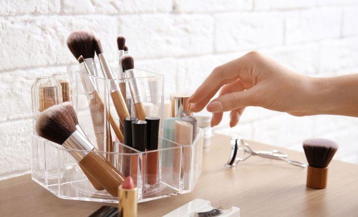 Maquillaje en orden