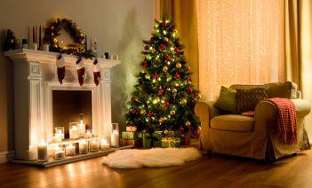 Cómo colocar las luces del árbol de Navidad