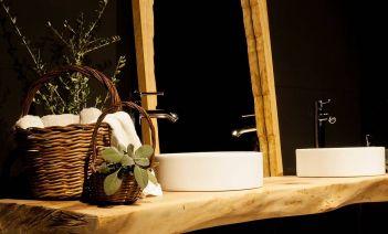 Encimeras de baño de madera maciza, la última tendencia en diseño de baños