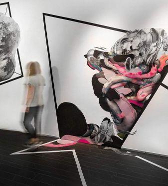 La artista Alicia Martínez crea un jardín salvaje en pleno corazón de la Gran Vía