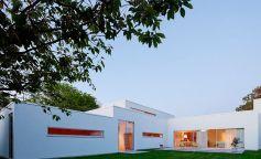 Villa J2, una casa de verano en Suecia de arquitectura minimalista