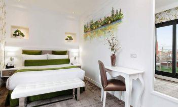 Adéntrate en la personalidad más castiza de Madrid con el Hotel Mayorazgo